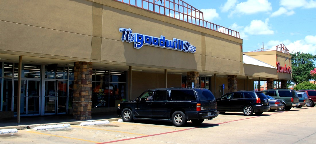 Hulen Square Shopping Center Located In The Heart Of